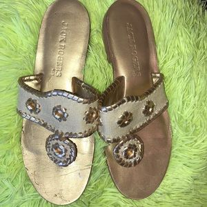Jack Rogers Size 6 Beige and Gold Great Condition